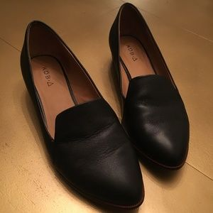 Kelsi Dagger Black Leather Brooklyn Victory Loafer